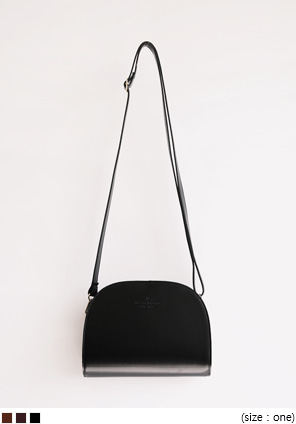 [BAG] HALF MOON LEATHER CROSS BAG