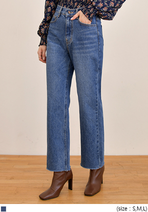 [BOTTOM] MOMENT STRAIGHT DENIM PANTS