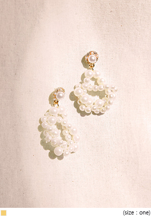 [JEWELRY] MENT PEARL TWIST DROP EARRING
