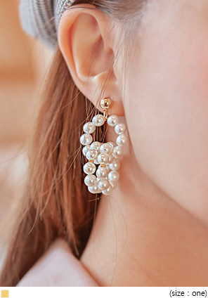 [JEWELRY] CLARET PEARL CIRCLE EARRING