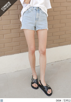 [BOTTOM] FRESH CUTTING DENIM SHORTS