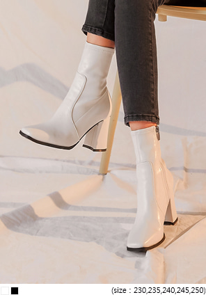 [SHOES] BRUNS SQUARE TOE ANKLE BOOTS