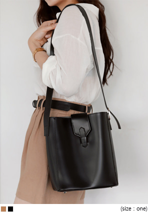 [BAG] MOOD SQUARE LEATHER BAG