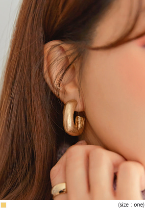 [JEWELRY] SYNERGY SQUARE BOLD EARRING