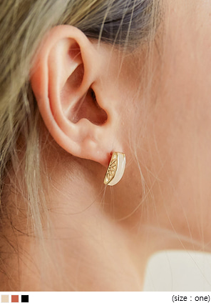 [JEWELRY] MEVE GOLD FRAME STICK EARRING