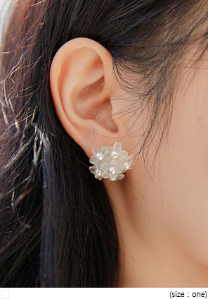 [JEWELRY] LOREN FLOWER PEARL EARRING