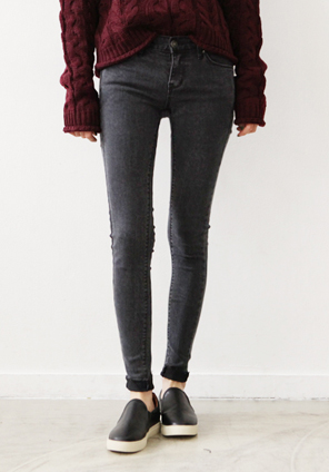 [BOTTOM] BLACK CUTTING SKINNY