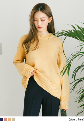 [TOP] CARAMEL HALF NECK KNIT